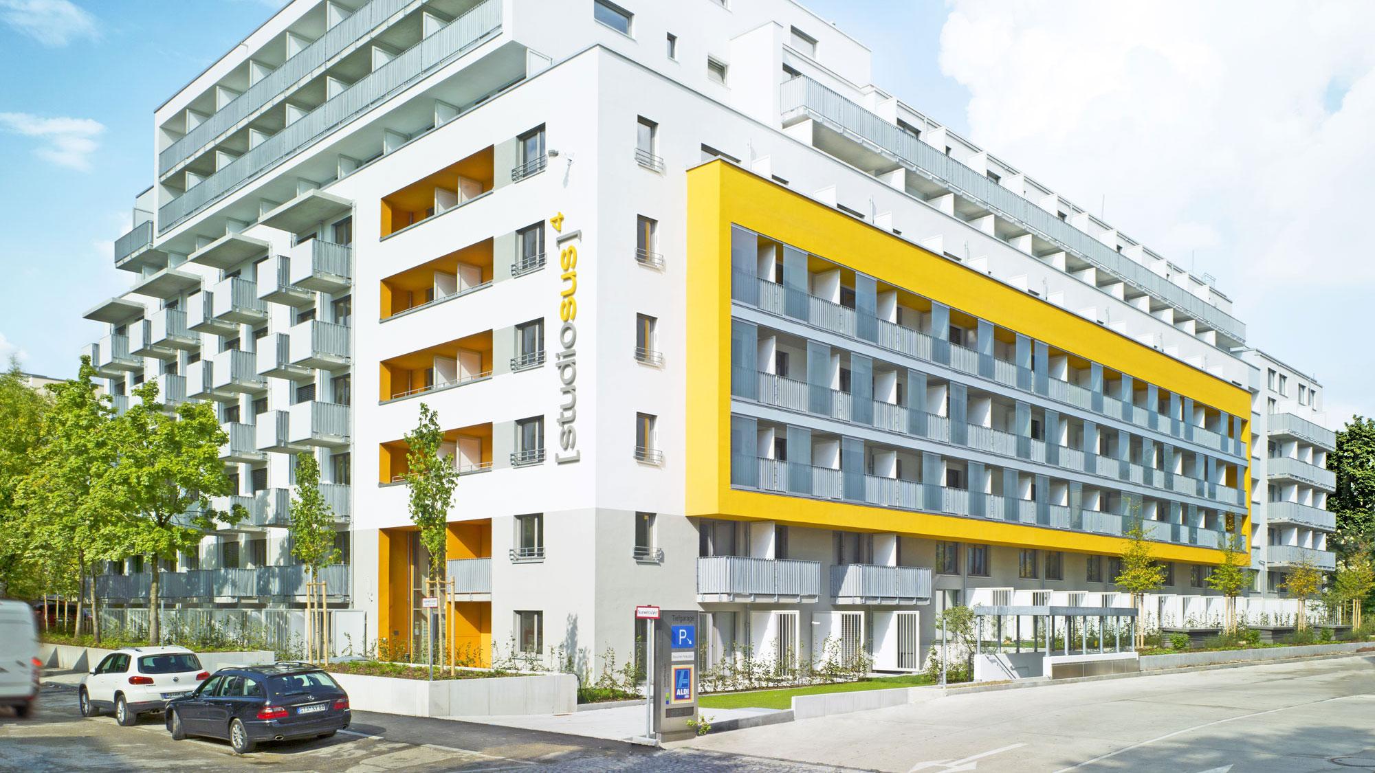 Neubauprojekt studiosus 4 - Außenansicht der Wohnanlage mit hochmodernen Studentenapartements in einzigartiger Lage in München