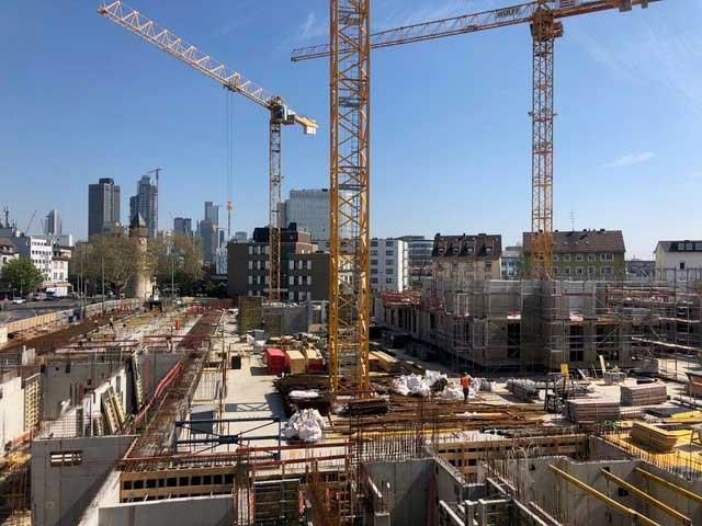 Mit Riesenschritten geht es beim Projekt WINGS in der Frankfurter Innenstadt voran.